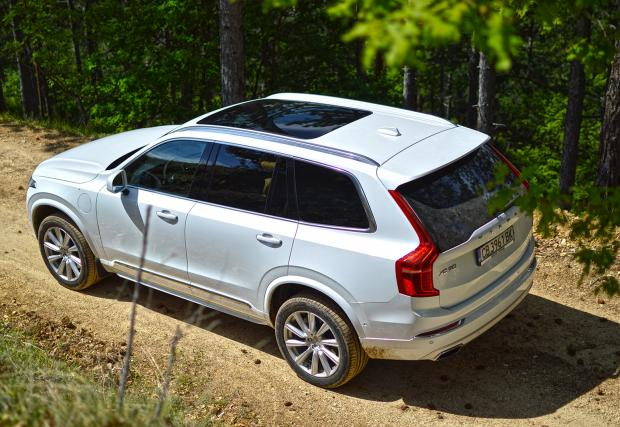 Volvo XC90 Т8 Twin Engine в гората. Първи впечатления и галерия от шведския топ модел