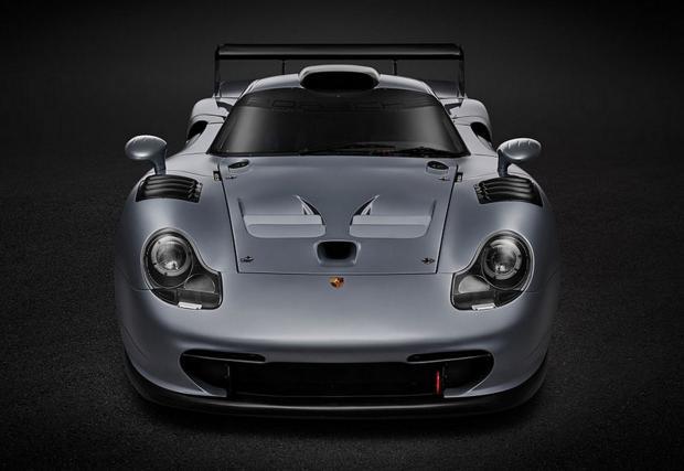 Уникално Porsche 911 GT1 Evolution бе продадено на търг. За 2 772 000 евро