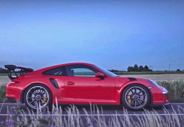 Какво бихте направили, ако ви дадат новото Porsche 911 GT3 RS само за няколко часа? Един прекрасен клип, с малко говор и много звук. Усилете вашия. За-дъл-жи-тел-но!