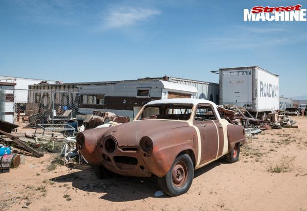 Изумителният двор на Джордж Калауей. Блясъкът на прахта. Изоставените съкровища на скоростта. Галерия