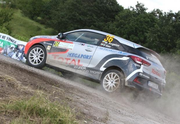 Оспорвана битка в Hyundai Racing Trophy в първия ден на рали България