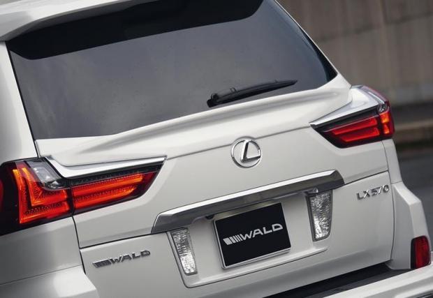 Още по-помпозен и разточителен. Wald Lexus LX570 с 24-линчови джанти