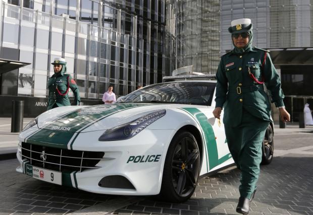 Дубайската полиция конфискувала 81 коли. Връщат ги на собствениците срещу 27 хил. долара. На кола