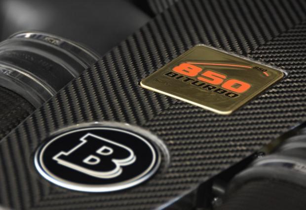 Brabus 850 6.0 Biturbo Cabrio. Категорично най-бруталният софттоп на Mercedes. Вдига само 350 км/ч, ограничен е от гумите...