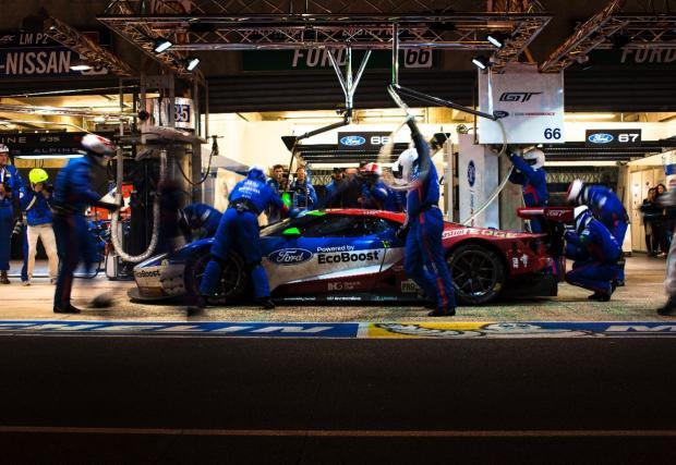 Няколко кадъра от победата на Ford в Льо Ман. Новият GT триумфира точно 50 години след легендата GT40