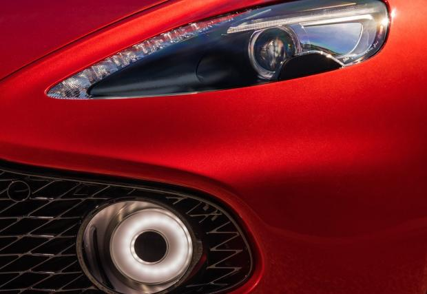 Aston Martin Vanquish Zagato вдига сто за 3,7 сек и ще бъде направен само 99 пъти. Готин и карбонов