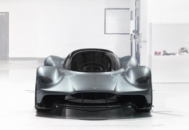 Колата на пришълеца: Aston Martin AM-RB 001