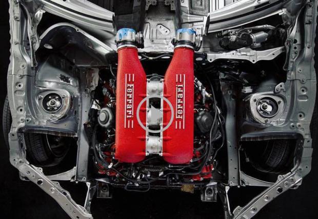 Toyota GT86 с двигател от Ferrari 458 Italia: 570 италиански коня за японското купе