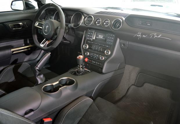 Моторът на Mustang Shelby GT350, най-мощният атмосферен агрегат на Ford в историята. Анатомията на двигателя