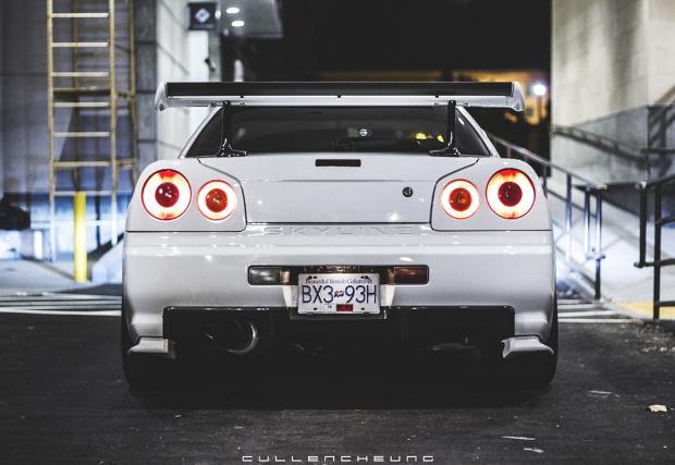 На закуска с Nissan GT-R R34. Бяла мечта, заснета както трябва