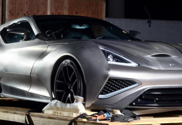 Бруталната Icona Vulcano, първата кола изработена предимно от титан... Видео