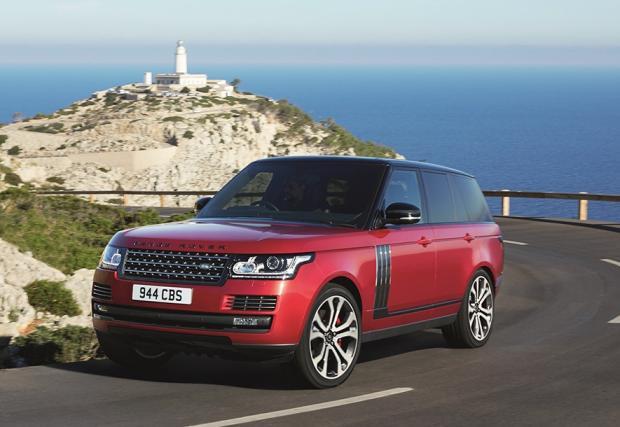 Дами и господа, графове и графини, това е най-мощният Range Rover правен някога - 550 коня за Range SVAutobiography Dynamic. Галерия и видео