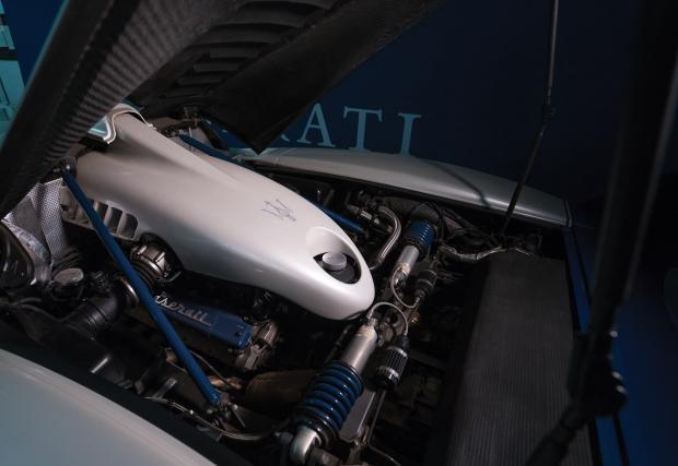 Нека да е на старо: 2005 Maserati MC12 се продава. Насладете се на обилната галерия