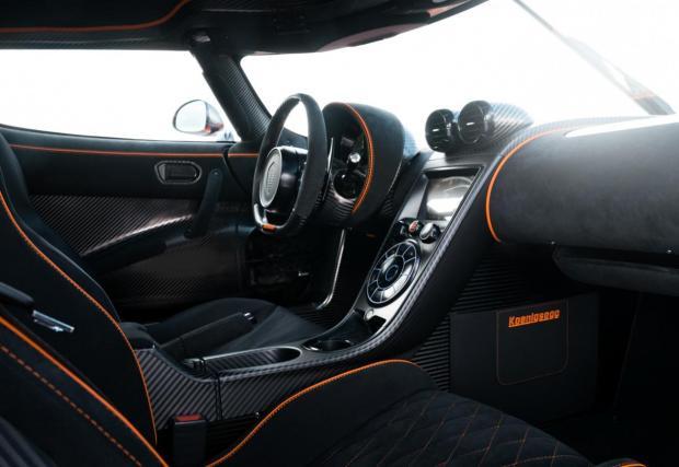 Новият Koenigsegg е чудовище: Agera RS развива 1300 коня и ускорява от 0-300 км/ч за 14 сек. Ле-ле!