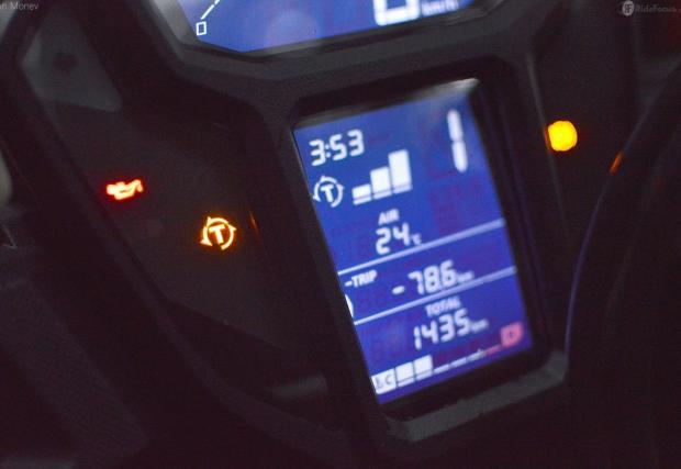 Най-чаканият байк за годината: Honda CRF1000L Africa Twin. Разходихме го в гората. Може да го поръчате и с трансмисия, като при VW Golf...
