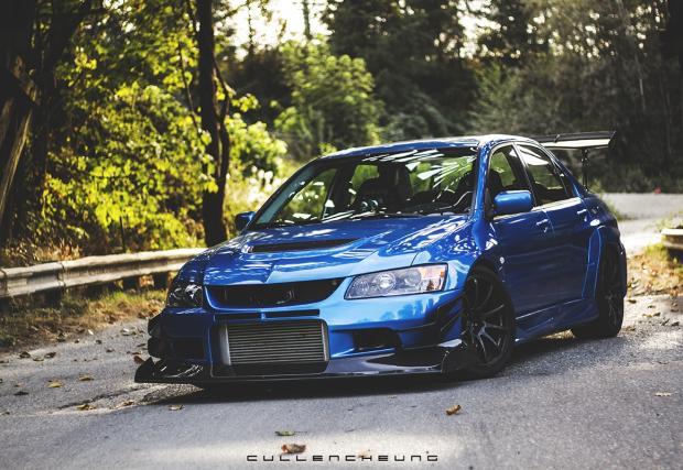 Брутално синьо: Mitsubishi Lancer Evo IX. По-яко ли е от Impreza?
