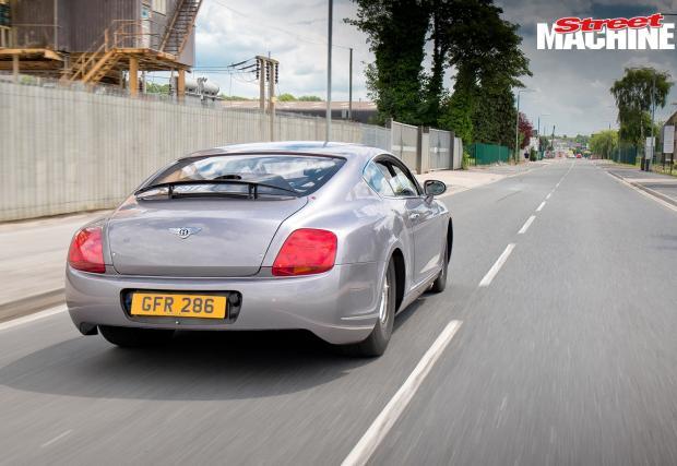 Чудовищно: Bentley Conti GT с 10-литров битурбо V8 и 3000 коня. За драг е, но е легално да се кара и в града...