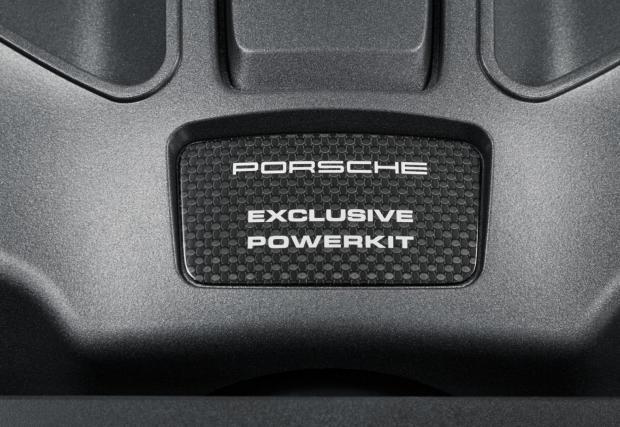 """Macan Turbo Performance Pack: """"Дамската джипка"""" на Porsche стана още по-бърза, ускорява като 911 Carrera. Плюс, защо Porsche продължават да бъдат мега готини?"""