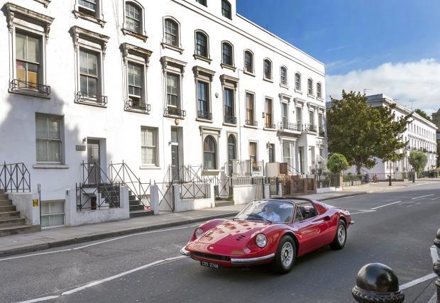 """Това Ferrari Dino е било собственост на Питър Грант, мениджъра на """"Лед Цепелин"""". Може да го имате"""