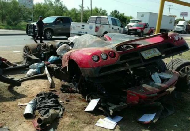 Брутално разпиляният Koenigsegg CCX...