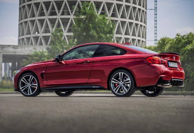 BMW пуска RED версия на Серия 4, само за България. И я рекламира с клип, също правен тук. Доооста сполучлив клип