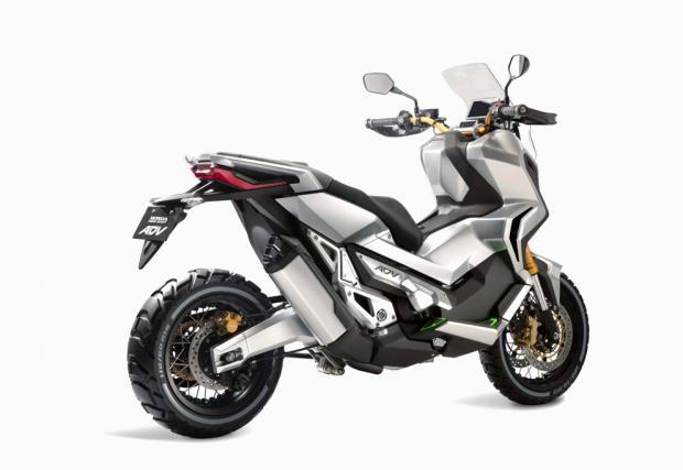 Ако Africa Twin беше скутер? Honda пуска X-ADV, първият адвенчър скутер в света. Видео