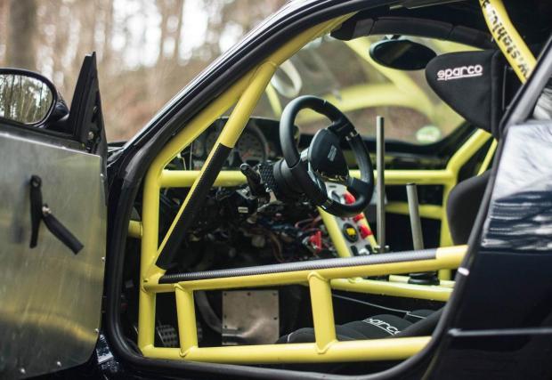 BMW Z4 с V10 от Dodge Viper. И цена, почти колкото на ново BMW M2. Заслужава ли си?