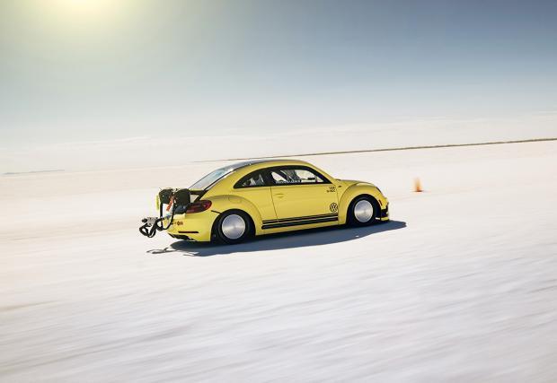 """Това е най-бързата дива """"Костенурка"""", която """"крачи"""" с 328 км/ч: VW Beetle LSR"""