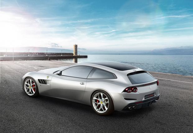 """Първото 4-местно """"конче"""" с турбо V8: Ferrari GTC4 Lusso Т"""