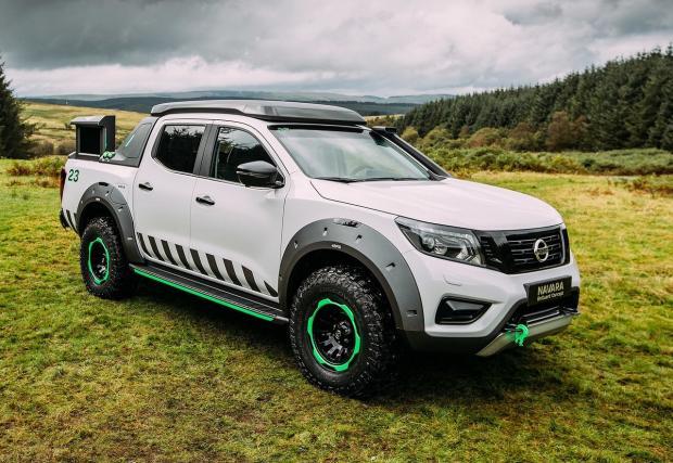 Nissan Navara EnGuard: спасителният пикап на бъдещето? Видео