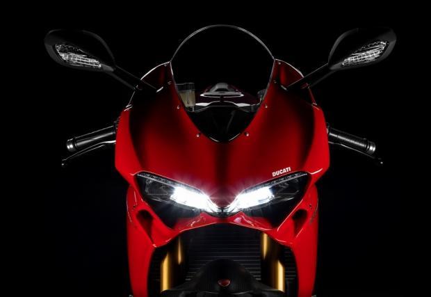 Ducati Supersport, италианците пускат изцяло нов модел. Видео тийзър плюс малко инфо