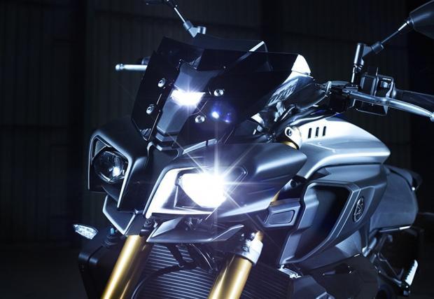 Супер нейкедът Yamaha MT-10 SP, в още по-супер изпълнение