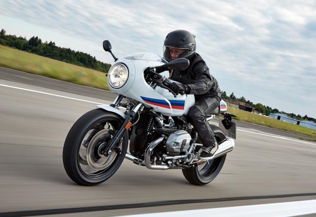 BMW направи специален модел за дамите? R nineT Racer идва със сила