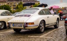 """Porsche 912 със златни букви и още доста интересни експонати: галерия от ретро парада по повод """"Спасовден"""""""