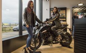 Triumph Motorcycles откриха шоурума си в София. Харесахме си Thruxton R, Bobber-а и още няколко байка