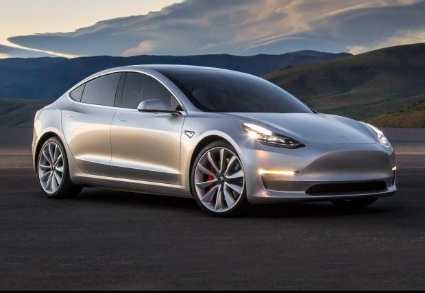 03. Tesla Model 3. Освен че е чисто електрическа, колата е и дооста обтекаема – Cd 0,21. Това със сигурност ще ви спести... от сметката за тока. Чакаме финалната версия на колата към края на 2017.