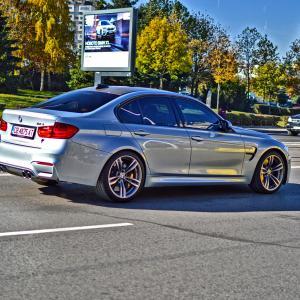 Есенно, в центъра на София. BMW M3 F80 | DizzyRiders.bg