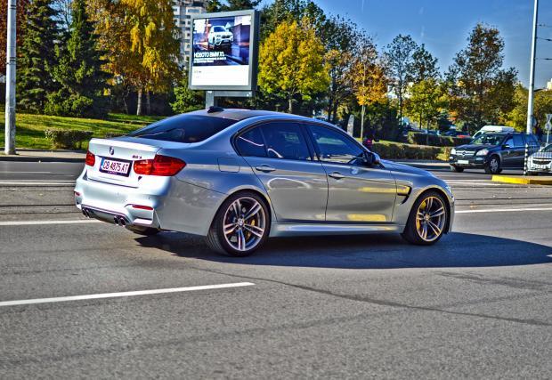 Есенно, в центъра на София. BMW M3 F80