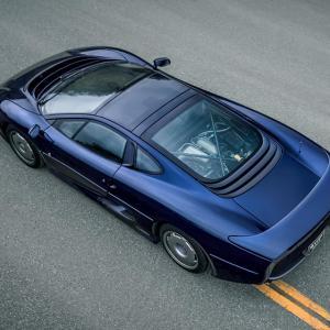 На кой му притрябвал V12, като има Jaguar XJ220?! | DizzyRiders.bg