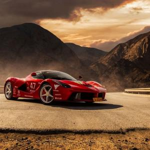 End of the road. LaFerrari в пустошта | DizzyRiders.bg