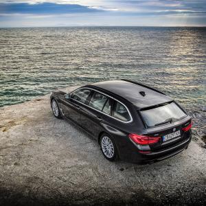 Новото BMW Серия 5 Touring в Несебър. | DizzyRiders.bg