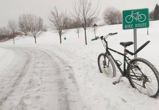 4. Подбирайте маршрута си внимателно. Придържайте се към обработени пътища (в случай на снеговалеж или възможност за заледявания) и планирайте разумно.