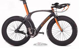 Stringbike са странни велосипеди без верига и зъбчатки. Задвижват се с корда и вървят по около 5000 евро